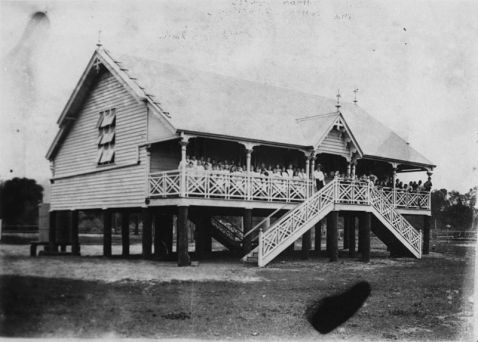 800px-StateLibQld_1_135865_Cairns_State_School_with_children_on_the_verandah,_1886