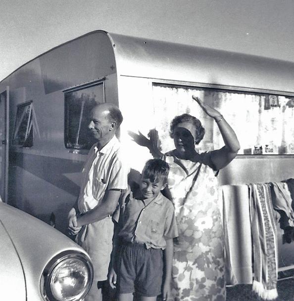 30 Caravan Tony