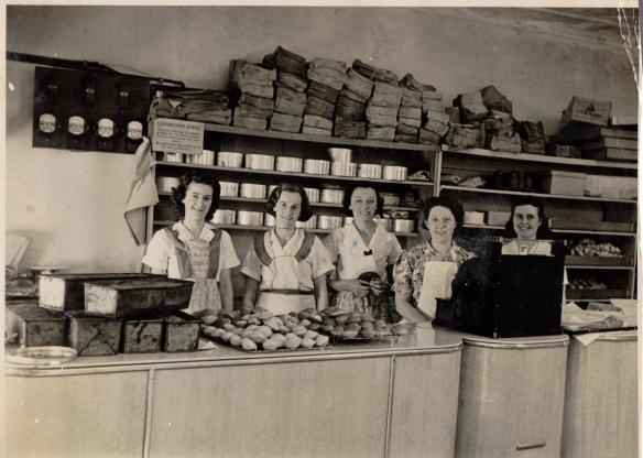 Mum Cake shop.jpg